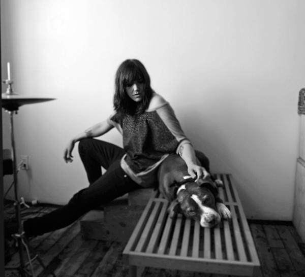 Emily-Wells-Shervin-Lainez-photo-w-oly