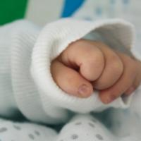 Stora och små händer