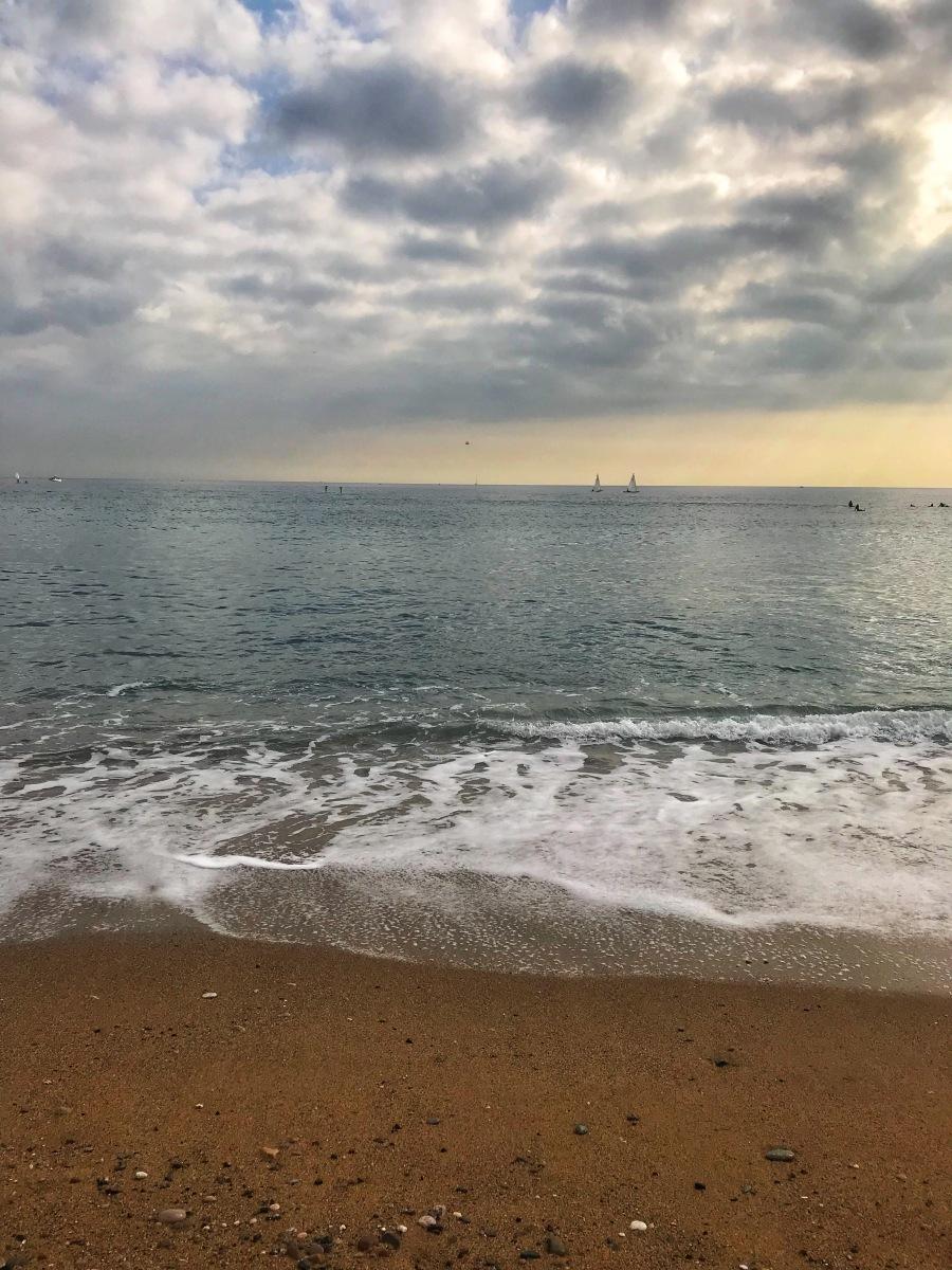 Strandliv, en vinfestival och Halloween