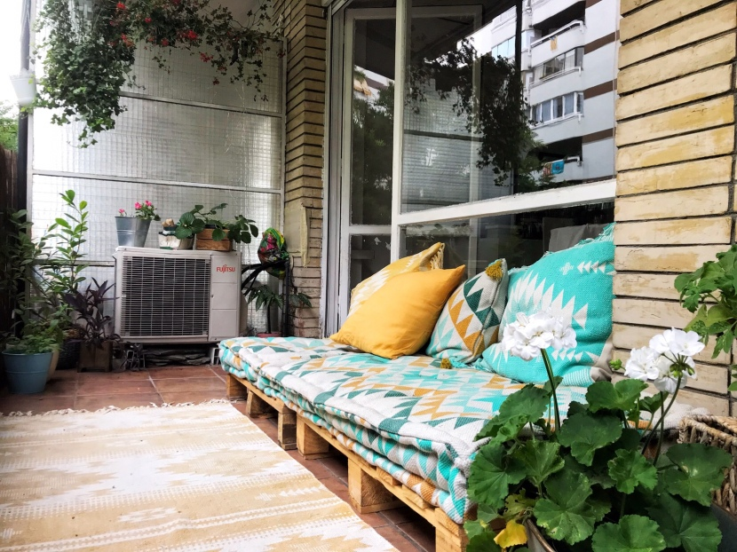Balkongen – min lilla, lilla grönaoas