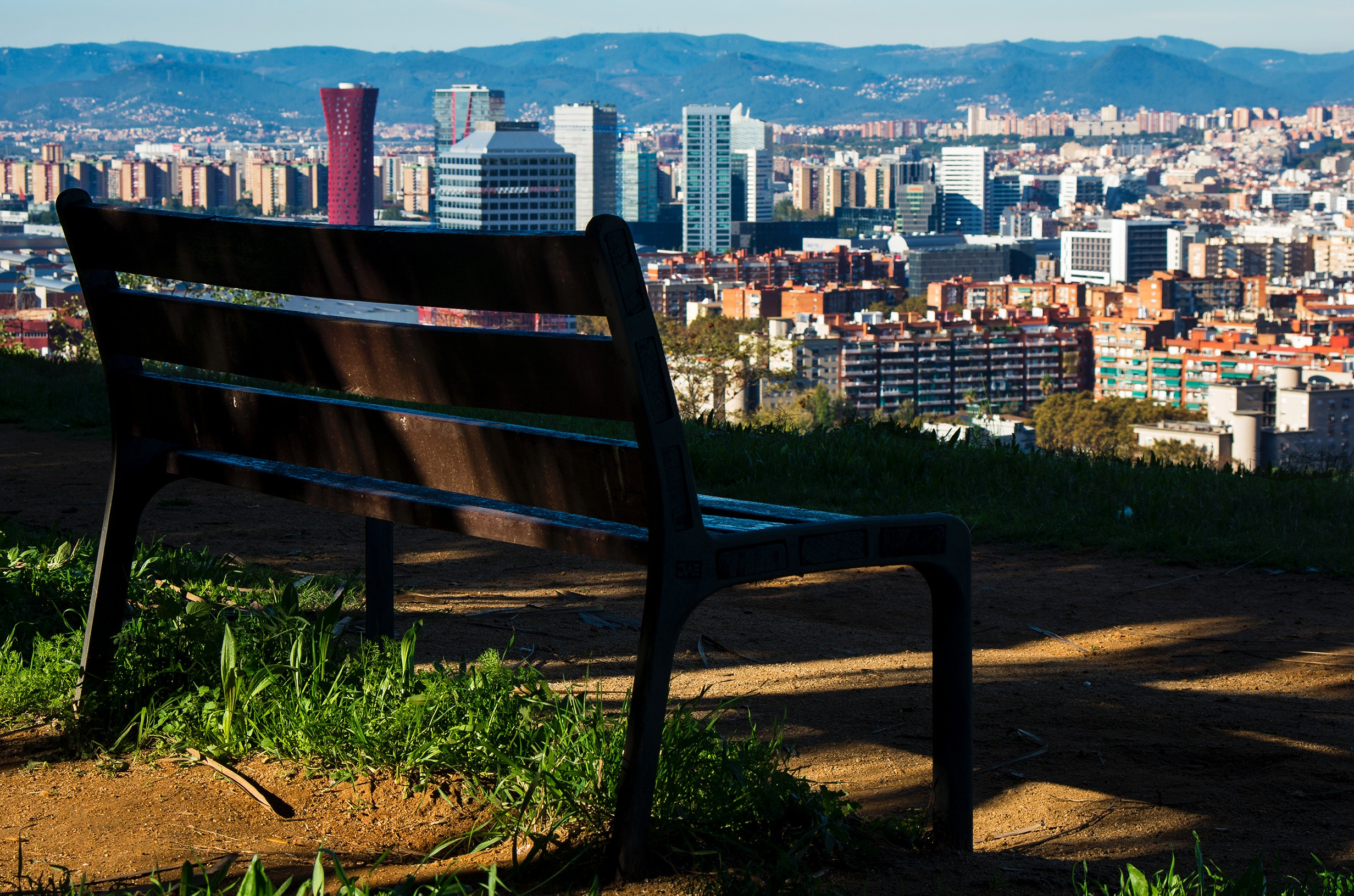 architecture-barcelona-bench-674736