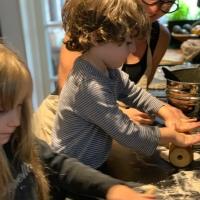 Vänner, Stockholm, konst och karelska piroger